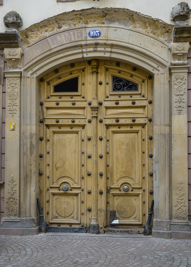 Comment faire l'isolation phonique d'une porte ?